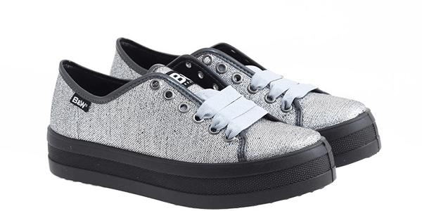 Tendenze metal: scarpe per risplendere anche in inverno